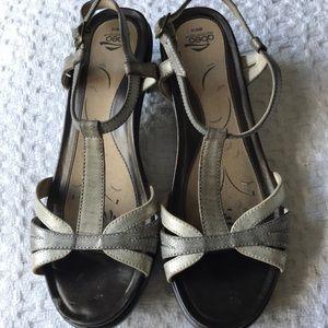 Abeo metallic sandals size 10